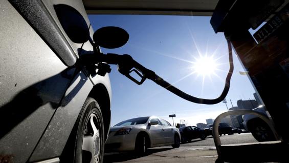En Alemania está prohibido quedarse sin combustible en las autopistas (Foto Archivo).